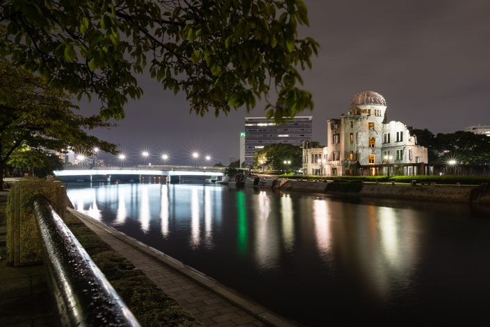 Atombombenkuppel in Hiroschima in der Nacht, Bild von MANFRED SODIA photography